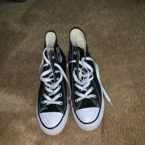 High top converse gently used women's 7